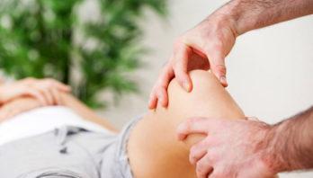 Боли в суставах – признаки заболеваний, причины, лечение