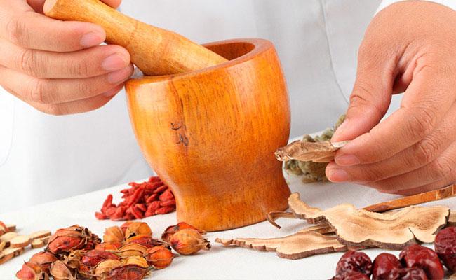 Лечение суставов народными средствами – мази, ванны, растирки