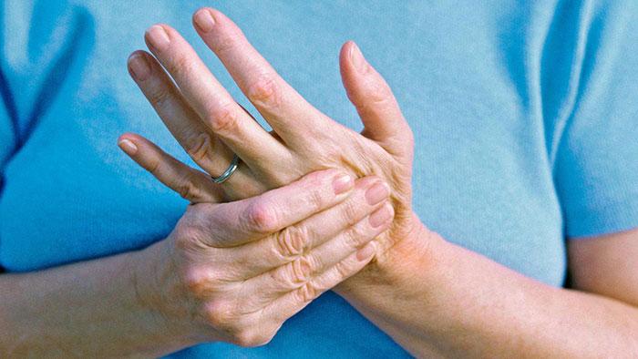 Артрит кистей рук – клиническая картина и методы лечения