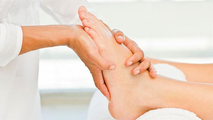 Болят суставы пальцев ног – симптомы, причины, диагностика, лечение