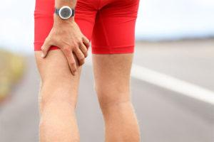 Что может болеть под коленом