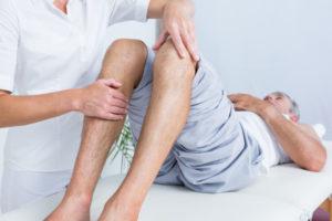 почему же болят колени