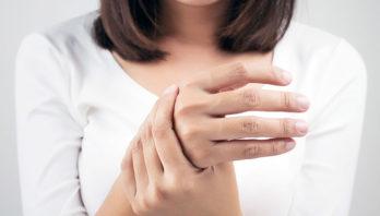 Опухла и болит рука – что делать? Причины, лечение, диагностика