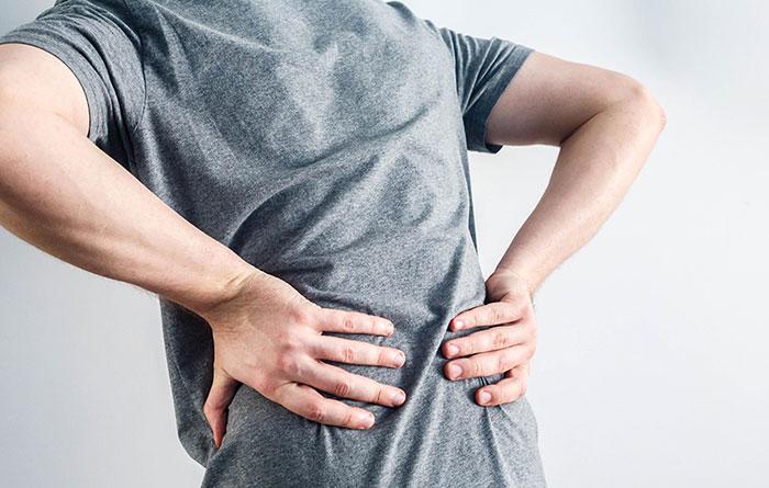 Боль в спине: почему появляется? Симптомы, признаки, лечение