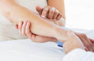 зачем болит руки от локтя и до кости, лечение