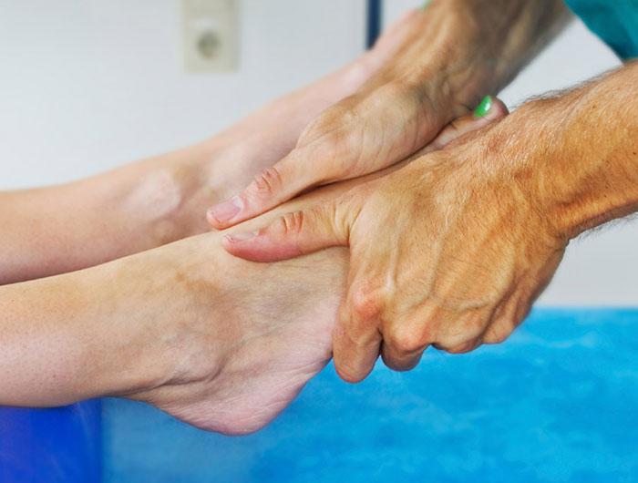 Болезнь Келлера: причины, клинические проявления, лечение