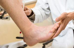 почему появляются боли в суставах ног