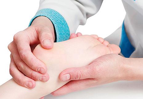 Боль в пятке при ходьбе: причины, симптомы, диагностика, лечение