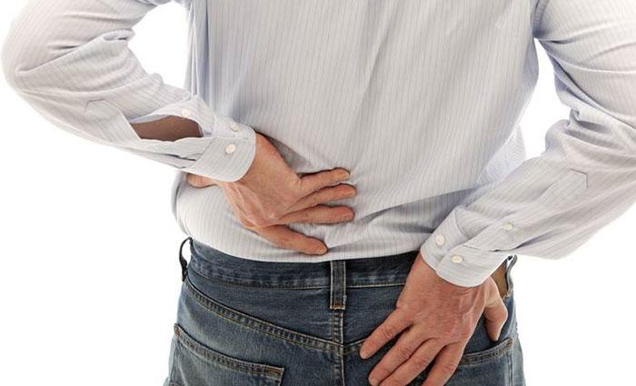 Боль в пояснице отдает в ногу: причины появления, диагностика, лечение