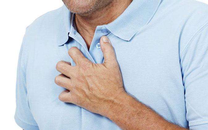 Боль в грудном отделе позвоночника: симптомы, диагностика, лечение
