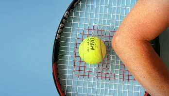 Локоть теннисиста: что это такое? Причины, симптомы, лечение