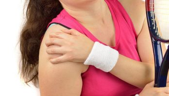 Ушиб плеча: симптомы, стадии, лечение, профилактика