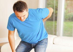 причины, симптомы, лечение больной спины при ушибе