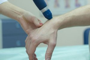 Признаки перелома костей кисти