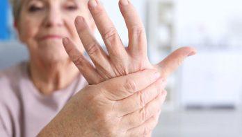 Отек пальцев рук: причины, лечение, диагностика, профилактика